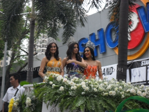 Reigning Queens: Dianne Necio, Shamcey Supsup and Isabela Manjon