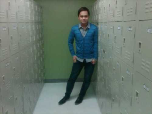 Long Sleeves from BENCH and blue cardigan from Penshoppe