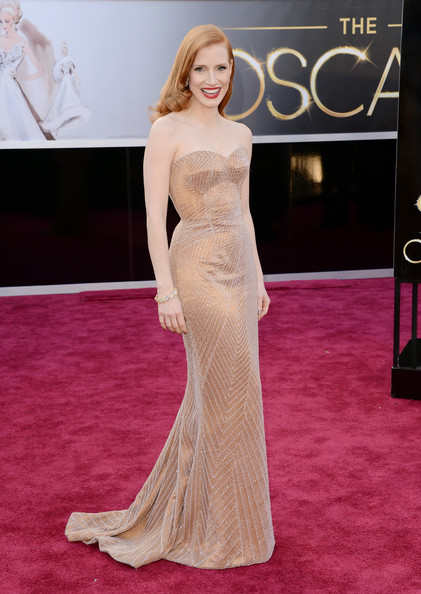 She may have lost the big prize to Jennifer Lawrence but she clearly outstaged the Best Actress winner at the red carpet. Jessica was looking oh-so-good in a sequined Armani Prive nude gown. This girl's flawless! She's definitely my ultimate best dressed!