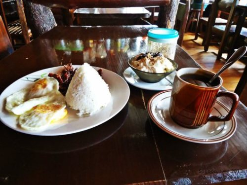 lunch anyone? I arrived in Sagada at around 10AM...so brunch it is!