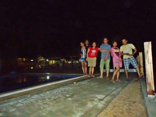 hollering at ya beside the resort's pool :)