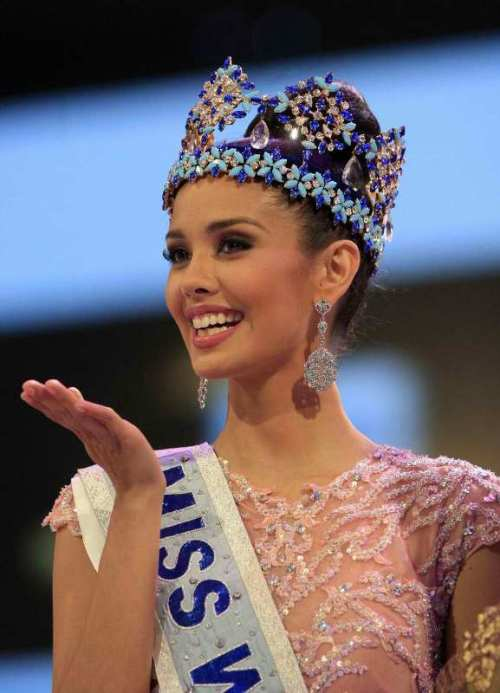 First Miss World from the Philippines via yahoo