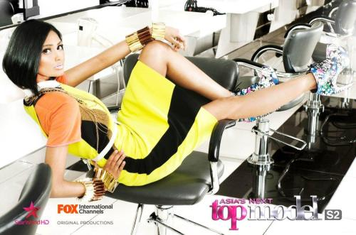 I'm loving Poojaa's styling here! Sophistication's her last name!