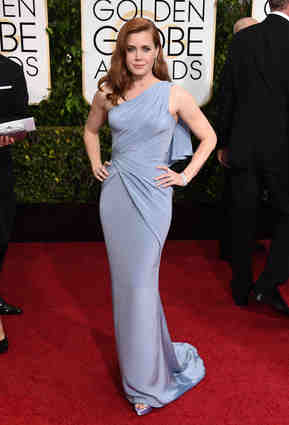 Amy Adams working the curves in the purple-hue Versace! Double winner!