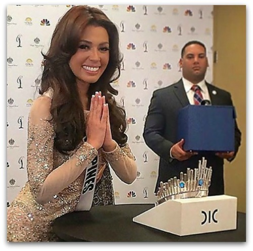 Miss Philippines MJ Lastimosa with the new crown from Diamonds International Corporation (DIC)