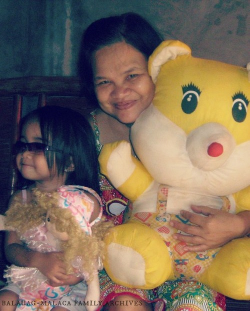 Nanay with her first grand daughter, Mariel ♥