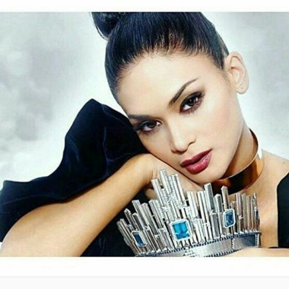 Pia with Crown